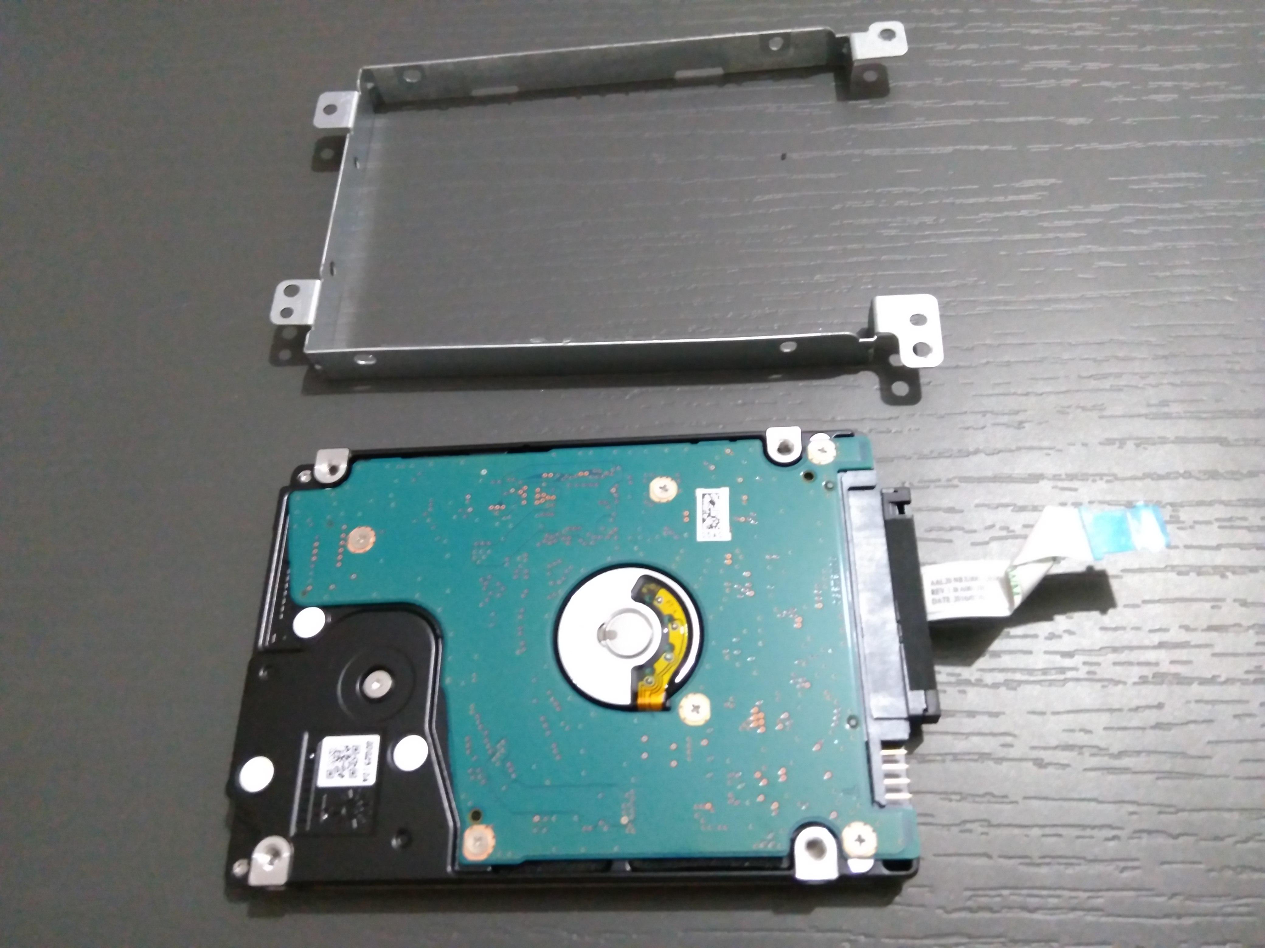 HW - Upgrade laptop with an SSD drive - SomoIT net