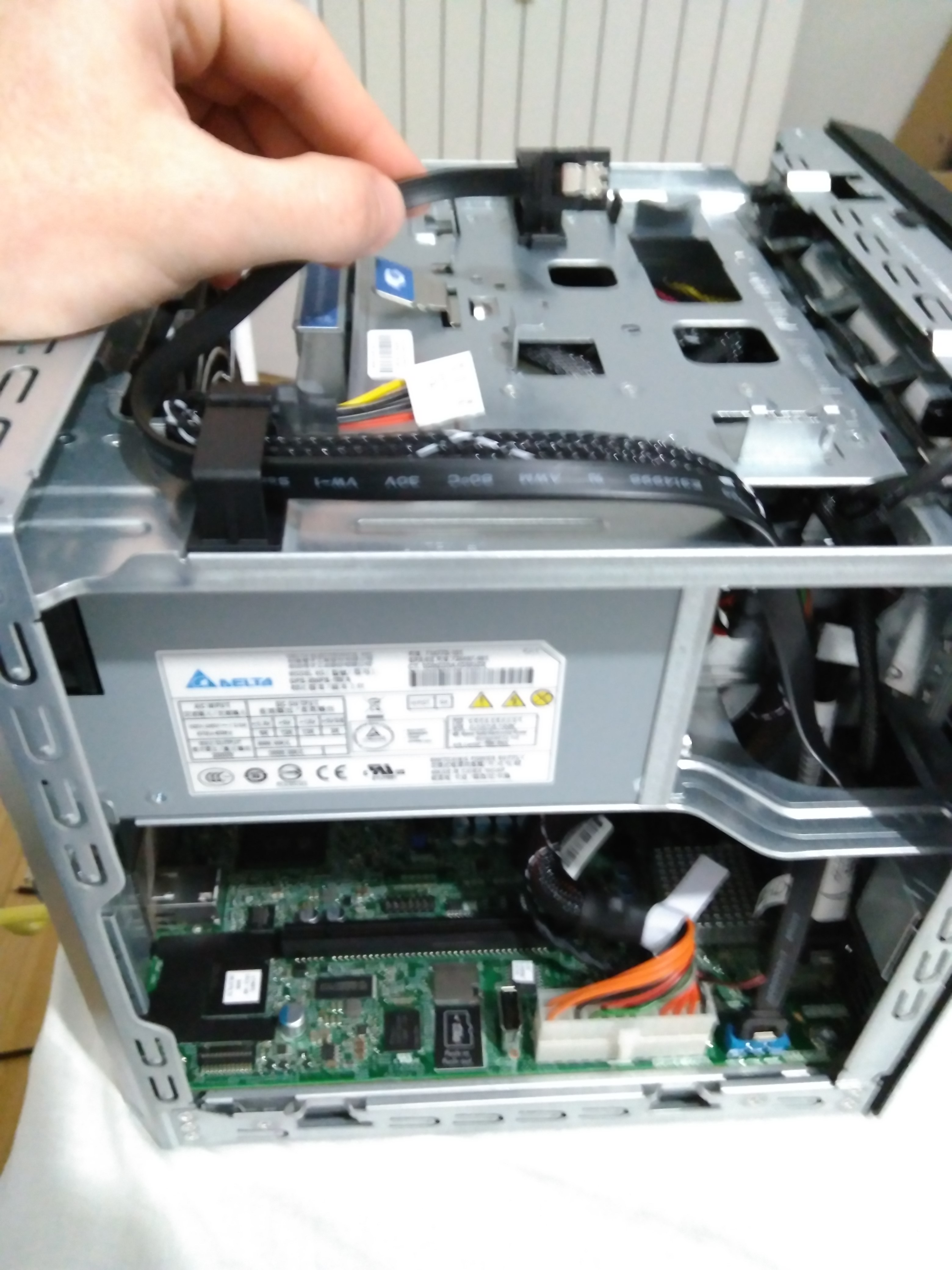 Home Server (4) – Install SSD to HP Microserver Gen8 - SomoIT net